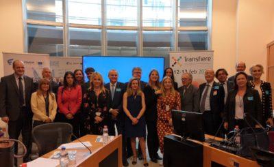 Foto-de-familia-Presentacion-Foro-Transfiere-en-el-Parlamento-Europeo-04-06-2019
